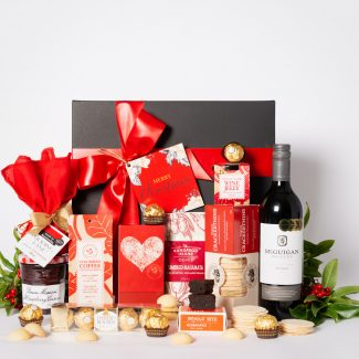 Christmas Sweet Delight Hamper with Red Wine LR